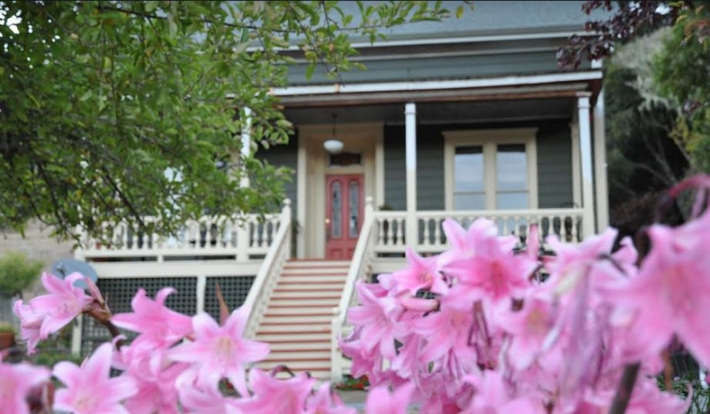 California bed and breakfast inn for sale - DUNCAN HOUSE