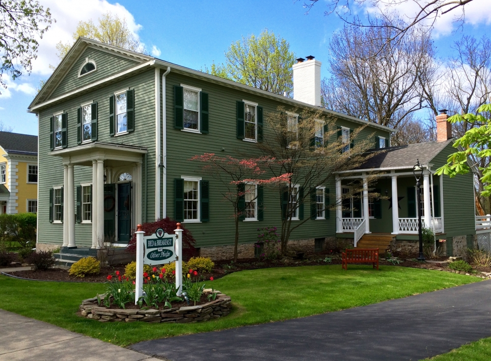 New-York bed and breakfast inn for sale - Oliver Phelps