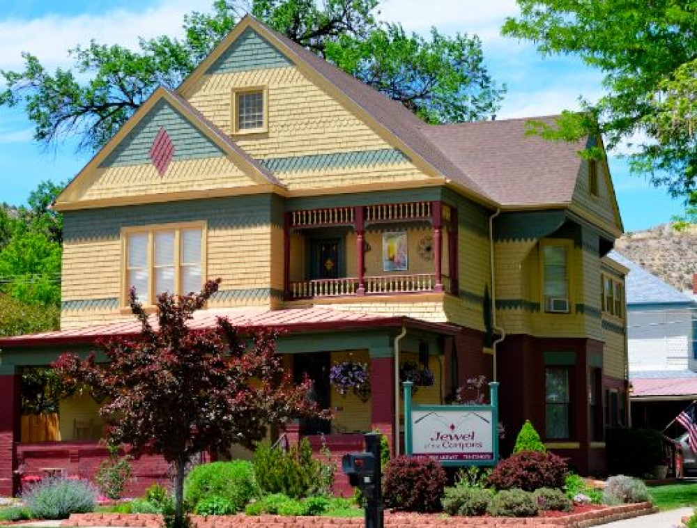 bed and breakfast inn for sale - Jewel of the Canyons