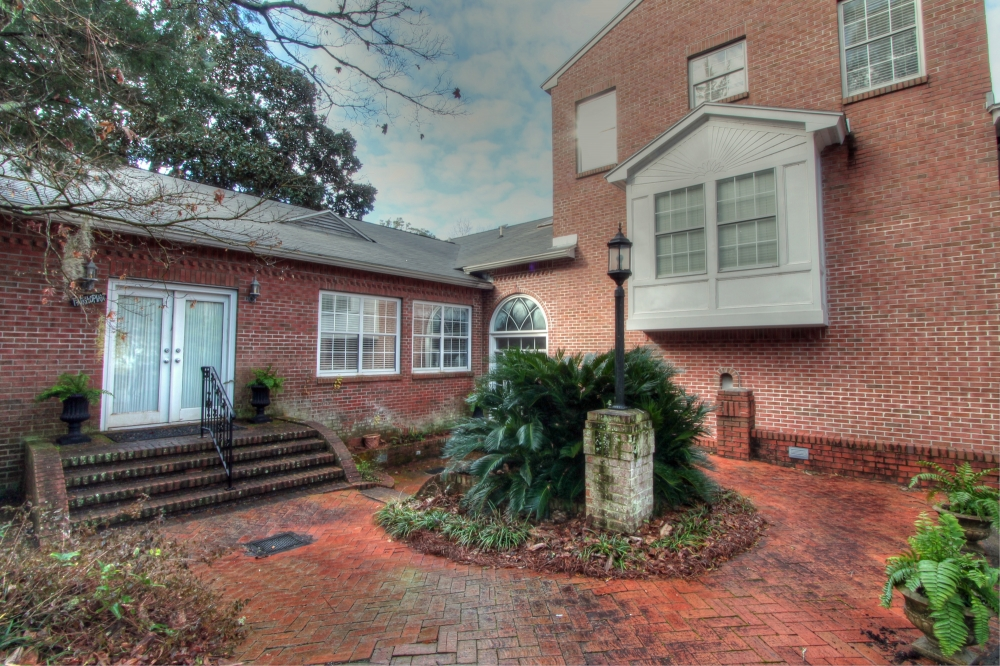 Alabama bed and breakfast inn for sale - Away at the Bay