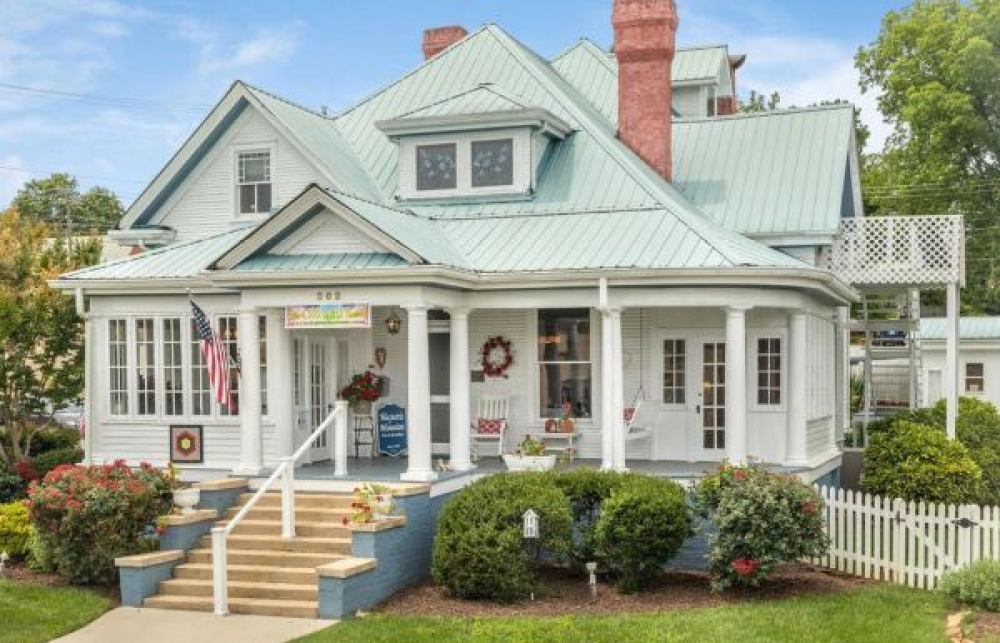 Tennessee bed and breakfast inn for sale - Majestic Mansion Bed and Breakfast