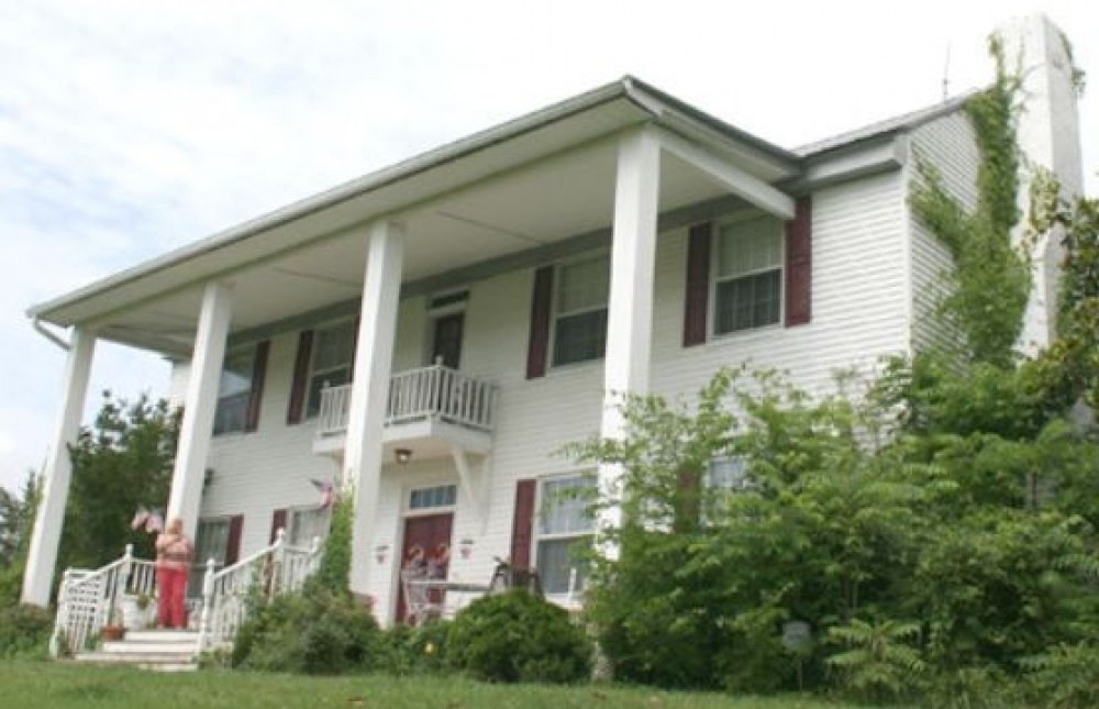 Tennessee bed and breakfast inn for sale - Pinhook Plantation