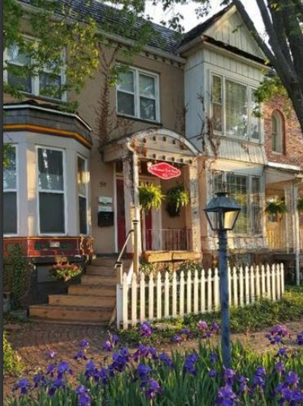 Kansas bed and breakfast inn for sale - The Woodward Row Houses on Huntoon