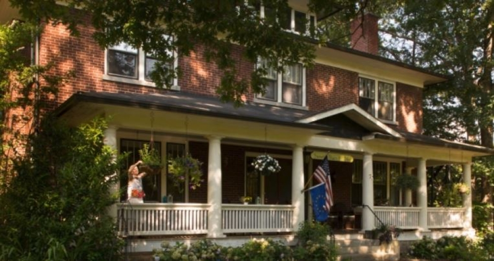 North-Carolina bed and breakfast inn for sale - Sweet Biscuit Inn