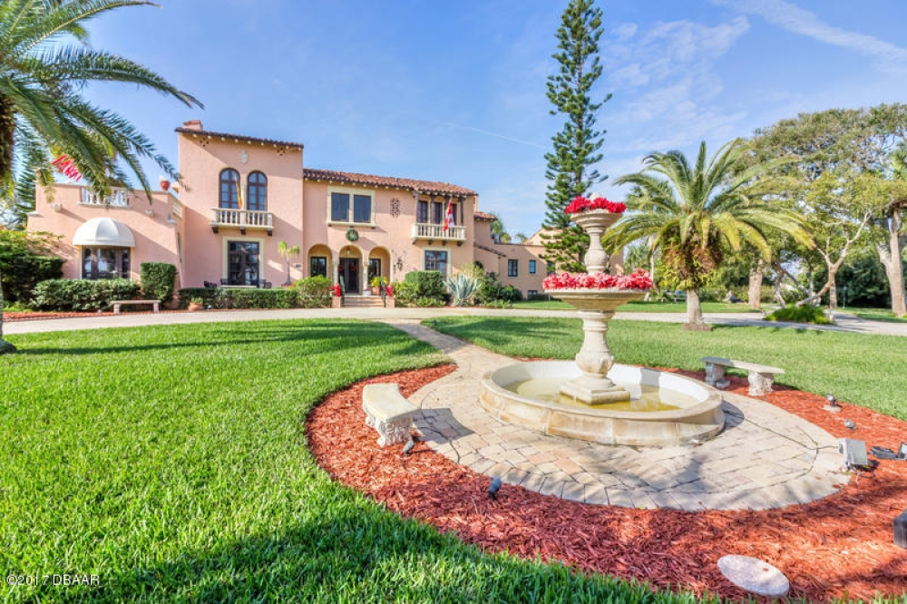 Florida bed and breakfast inn for sale - The Villa Bed and Breakfast