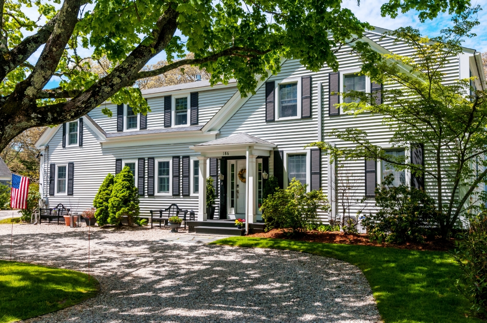 Massachusetts bed and breakfast inn for sale - Award Winning Cape Cod Boutique Inn