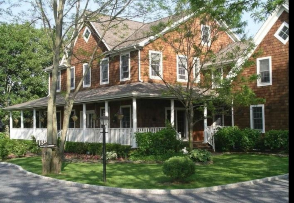 New-York bed and breakfast inn for sale - The Harvest Inn