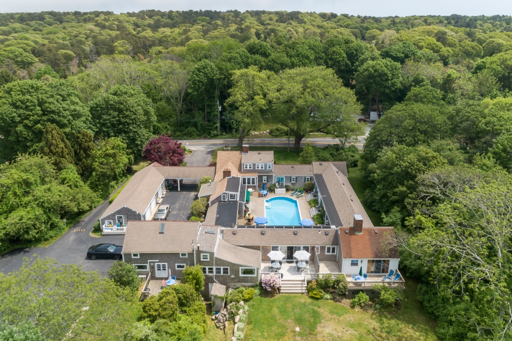 Massachusetts bed and breakfast inn for sale - The Lamb and Lion Inn LLC