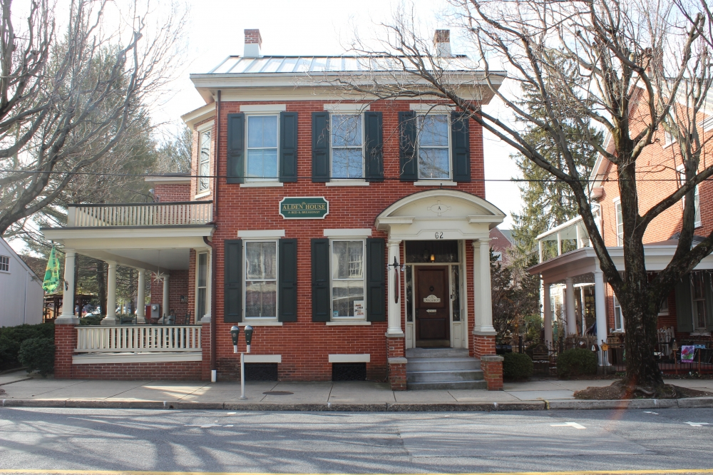 bed and breakfast inn for sale - Alden House Bed & Breakfast