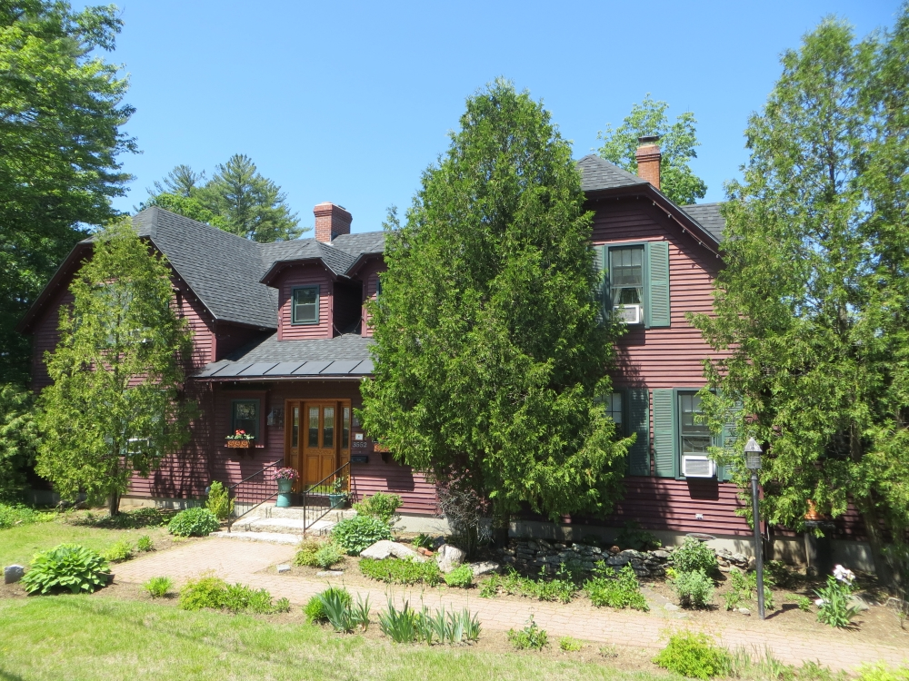 New-Hampshire bed and breakfast inn for sale - Cabernet Inn