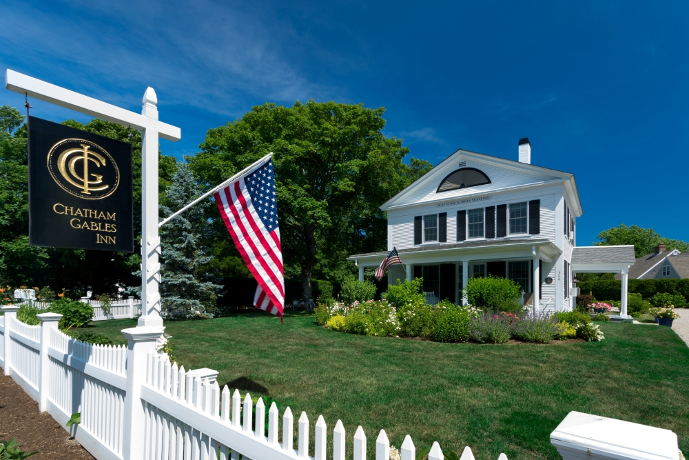 Massachusetts bed and breakfast inn for sale - Chatham Gables Inn
