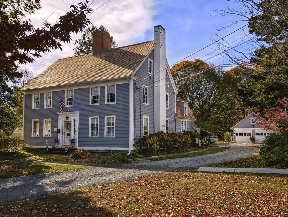 Connecticut bed and breakfast inn for sale - The Deacon Timothy Pratt Bed and Breakfast