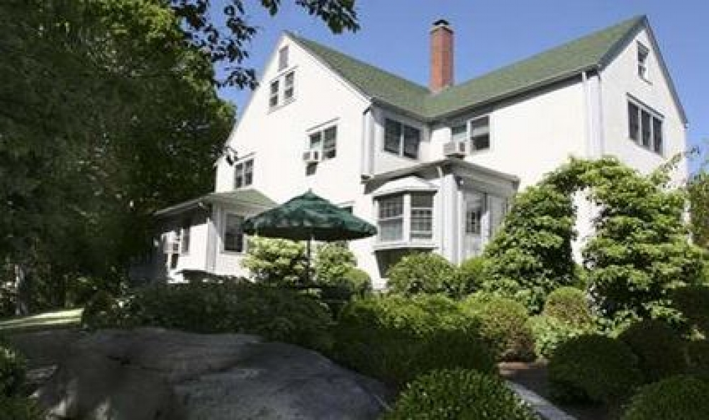Connecticut bed and breakfast inn for sale - Tidewater Inn