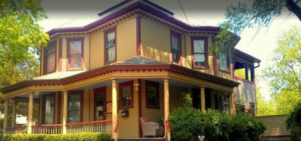Missouri bed and breakfast inn for sale - Weston Bed and Breakfast