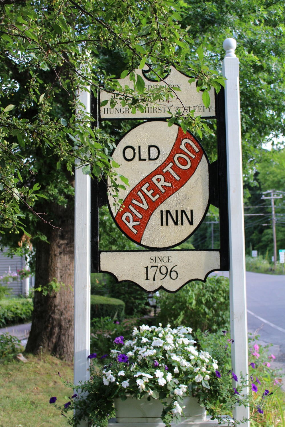 Connecticut bed and breakfast inn for sale - Old Riverton Inn