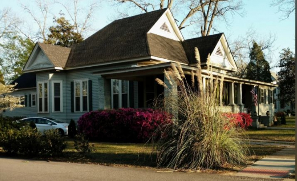 Alabama bed and breakfast inn for sale - Baker Street Bed and Breakfast