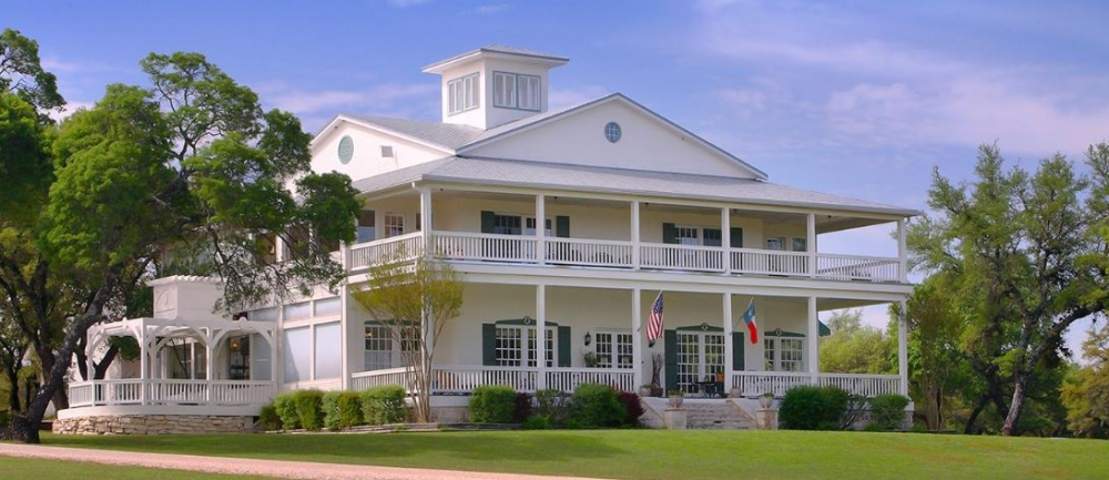 Texas bed and breakfast inn for sale - Rose Hill Manor