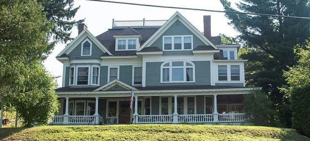 New-York bed and breakfast inn for sale - Franklin Manor