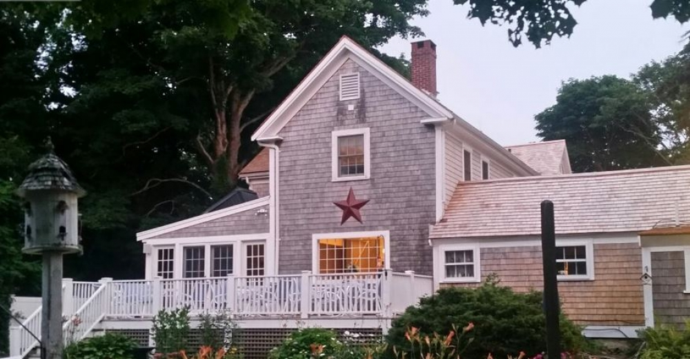 Massachusetts bed and breakfast inn for sale - The Sea Meadow Inn