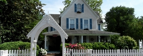 Maryland bed and breakfast inn for sale - The Alexander House Booklovers Bed and Breakfast