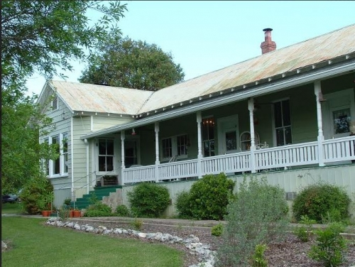 Texas bed and breakfast inn for sale - Carrington House Bed and Breakfast