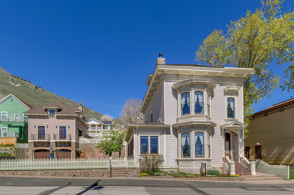 Nevada bed and breakfast inn for sale - Cobb Mansion