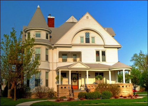 Illinois bed and breakfast inn for sale - Inselhaus Bed and Breakfast