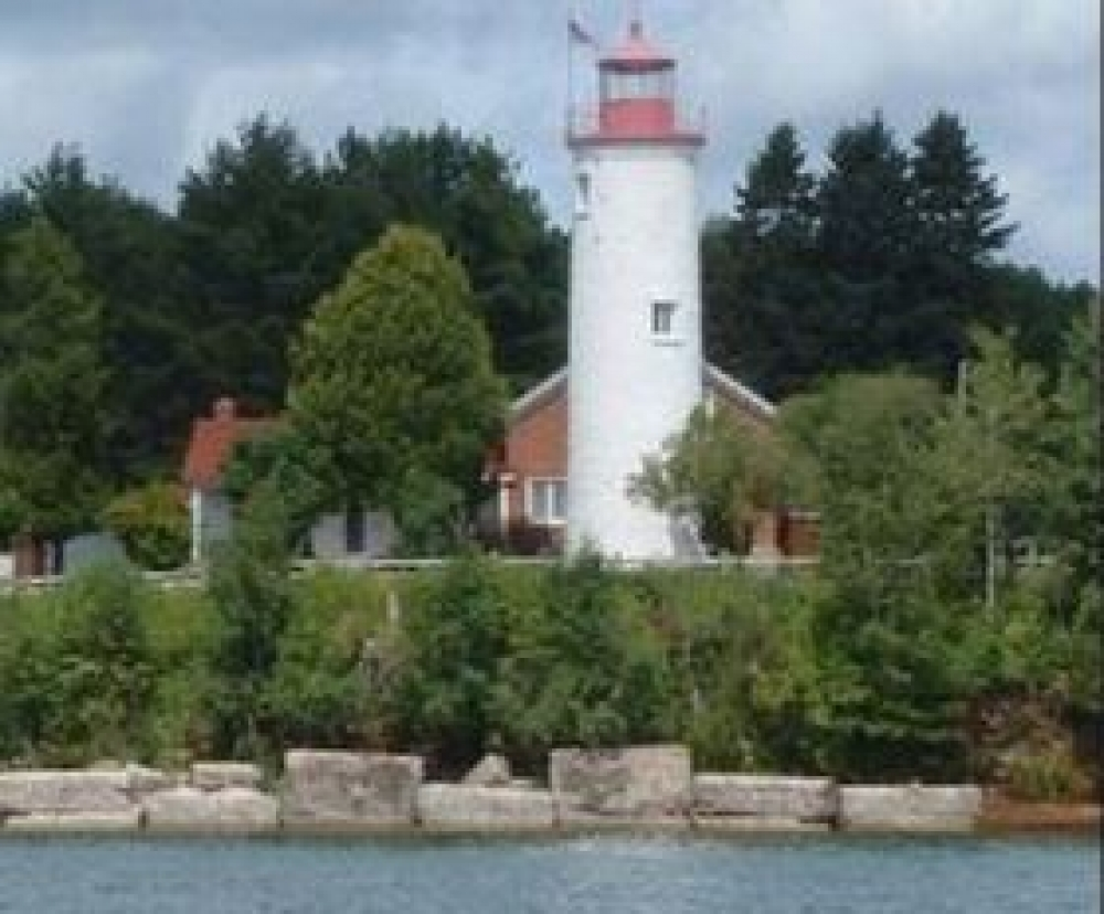 Michigan bed and breakfast inn for sale - Jacobsville Lighthouse Inn