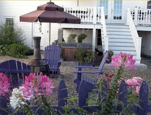 Maine bed and breakfast inn for sale - The Perennial Inn