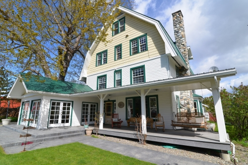 Washington bed and breakfast inn for sale - The Methow Valley Inn
